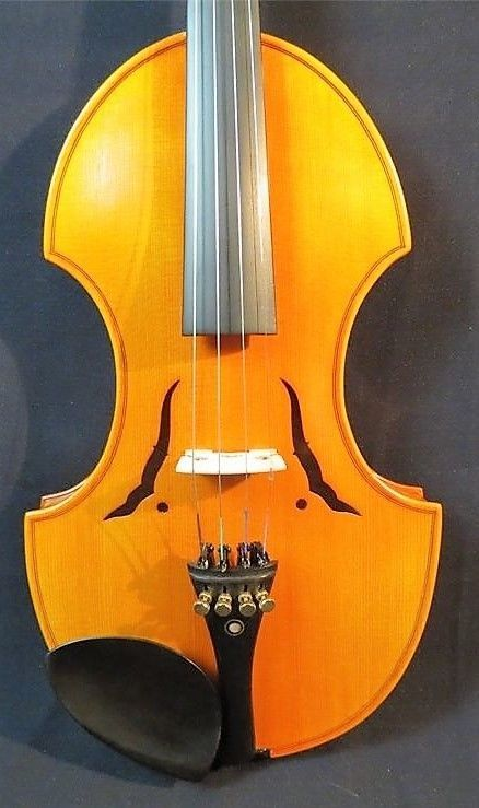 BAROQUE STYLE HAND MADE VIOLIN, LOVELY PIECE, POWERFUL TONE, WITH BOW/CASE